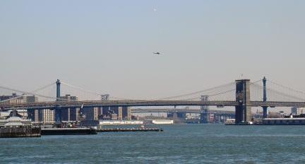林大桥是一座钢结构斜拉桥